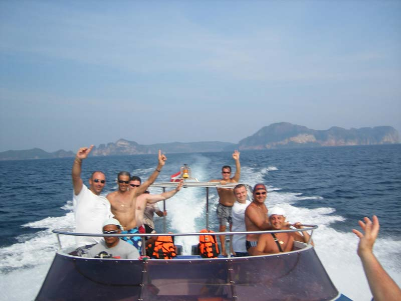 What to do - Charter a speedboat on Phuket