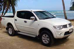 mitsubishi pajero 4 wheel drive available from Braun Phuket car hire